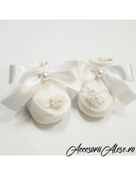 Botosei fetita - nou nascut - 4 luni perle cristale