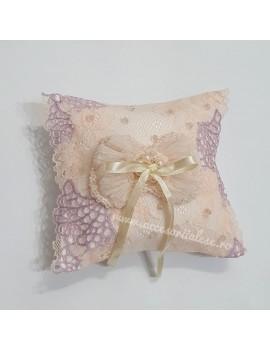 Pernuta pentru verighete - de nunta, cu dantela roz lila si cristale