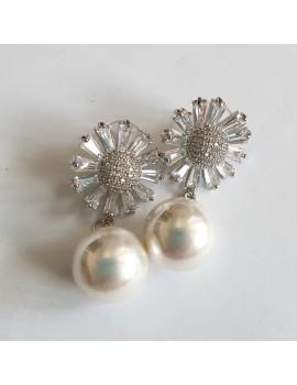 cercei cu zirconiu in forma de floare si perla
