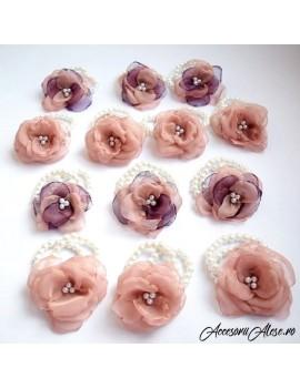 Corsaje cocarde flori domnisoare de onoare, soacre, nasa mireasa, mire nunta