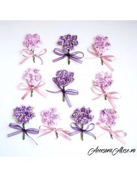 Cocarde cu flori mov si roz, pentru cavaleri de onoare, mire sau nas